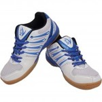 Up to Flat 75% off on V22 sports shoes from Sports365