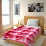 Blankets @ Rs 109 (81% Off) + FA
